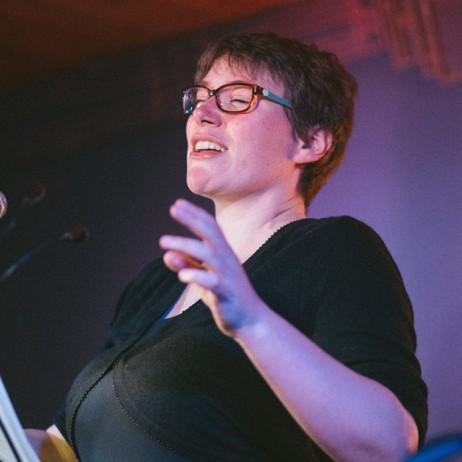 Elizabeth Hilliard performing Jennifer Walshe's New Folksong Collection at Bello Bar, September 2018